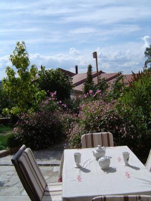 Gite pradelles terrasse besset